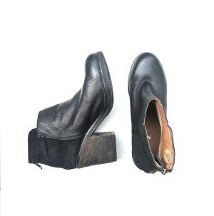 Akira Echtleder Ankleboots Keilabsatz Boots Gr. 38 Wildleder klassisch Must have