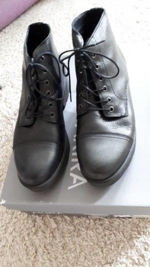 Akira Botas de tobillo negro