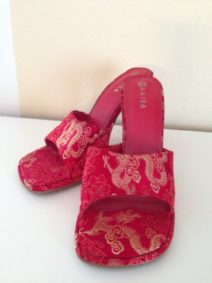 Akira Pumps in Asia-Style in Rot mit Drachen