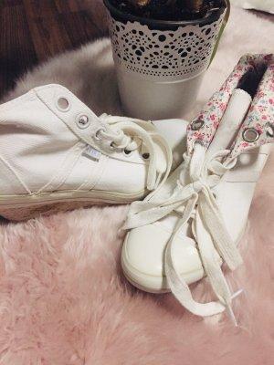 Akira Schuhe
