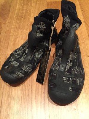 Sandalias para uso en exteriores negro Gamuza