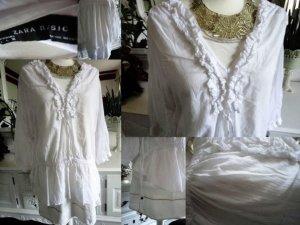 Aktuelle Kollektion, weiße Bluse von Zara, hinten länger, leichte