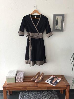 Alba Moda Edles Wickelkleid mit Kontrastfarben