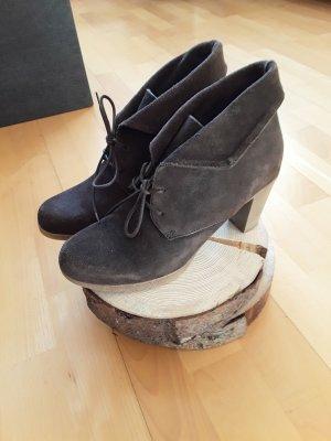 Alba Moda Stiefel Stiefeletten braun Gr. 37 NEU Wildleder
