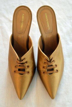 Alberta Ferretti Zapatos de punta color oro Cuero