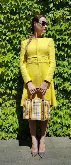 Alberta Ferretti Tweed-Mantel aus Boucléwolle mit Rundhalsausschnitt