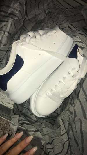 Alexander McQueen Lace-Up Sneaker white-blue