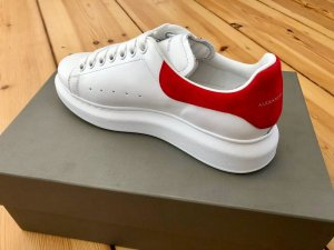 Alexander McQueen Lace-Up Sneaker white-brick red