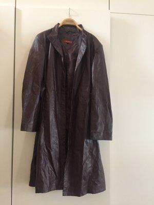 Abrigo de cuero violeta amarronado