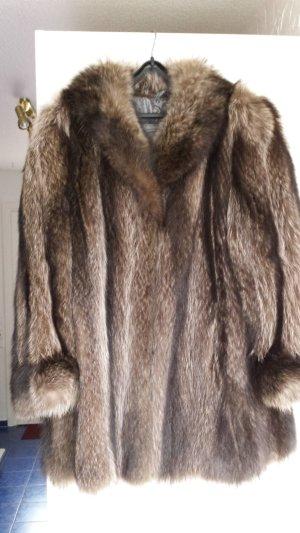 aller guten Dinge sind drei: Top-Gelegenheit aus Nachlass: schwingende Waschbär-Jacke, Gr. 42, naturfarben