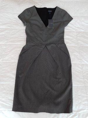 *aller letzter Preis * Original Armani Kleid  NEU mit Etikette Grösse 34