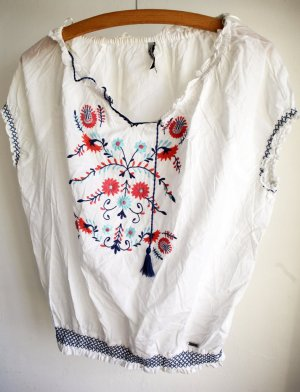 ALLES MUSS RAUS: Carmenbluse mit Folkloremuster bestickt