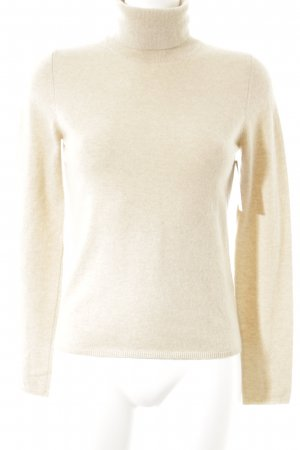 Allude Turtleneck Sweater cream casual look