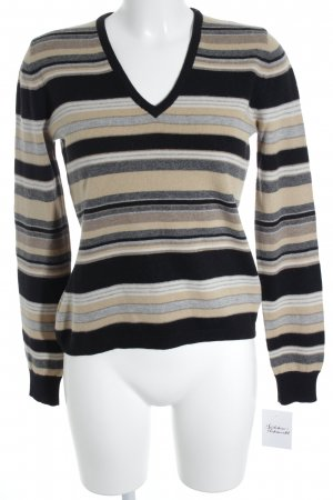 Allude Cardigan horizontal stripes casual look