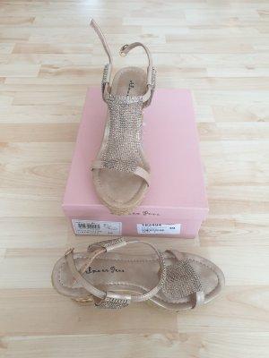 Alma en Pena Platform High-Heeled Sandal beige