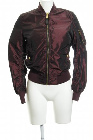 Alpha Industries Bomber Jacket bordeaux casual look