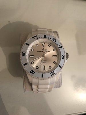 Alpha Saphir Uhr