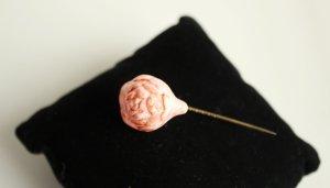 alte Bisquit Porzellan Nadel Ziernadel Rose