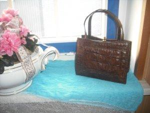 Bolso con correa marrón-color oro Cuero