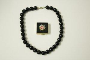 alte schwarze Rockabella Perlenkette