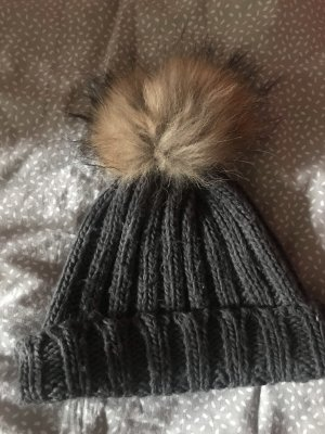 Classic Knitted Hat light grey-brown