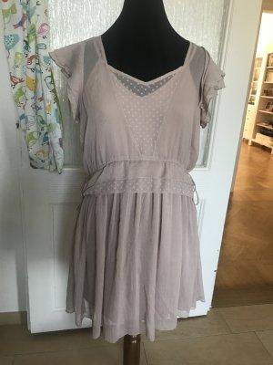 Altrosa-farbenes Kleid