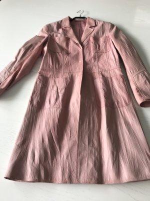 Abrigo de cuero color rosa dorado