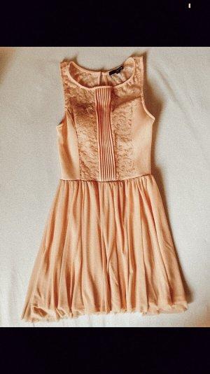 Altrosanes Kleid mit Spitze