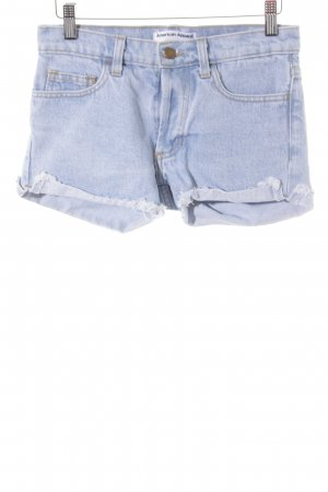 American Apparel Shorts azul celeste look casual