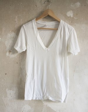 American Apparel V-Shirt