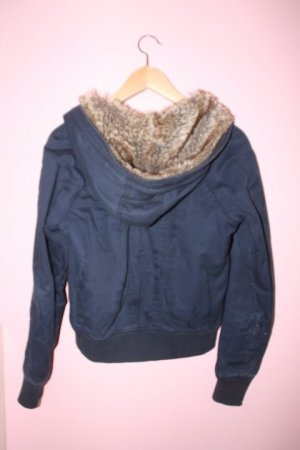 American Eagle Outfitters Jacke mit weicher mütze