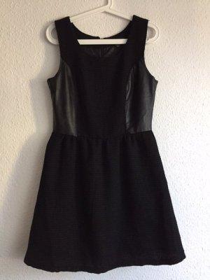 *AMISU* Kurzes Tweed-Kleid, Ledereinsatz seitlich, tailliert, schwerer Stoff