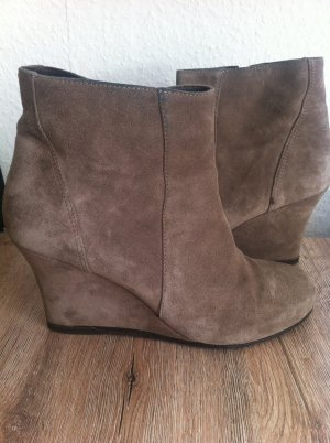 Ancle Wedge von Closed, Gr. 39, in Taupe / Beige Velourleder