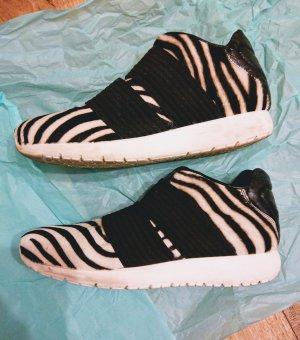 Slip-on Sneakers black-white pelt
