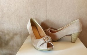 Andrea Conti Peep Toe Pumps cream