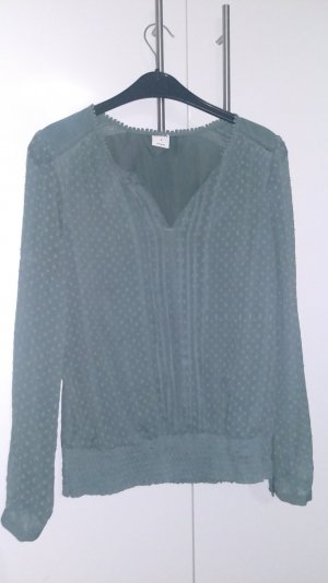 Angenehm sitzende grüne Bluse