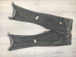 Angesagte cropped Jeans mit leichtem Schlag NP 59,00€
