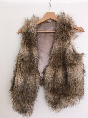 Angesagte Fake Fur-Weste von H&M