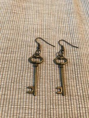 Angesagte Schlüssel Ohrringe in bronze