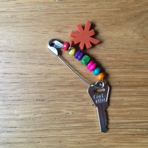 Art Broche multicolore