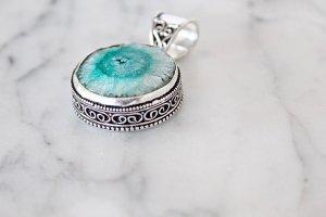 Colgante turquesa-azul bebé