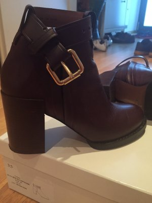 "Ankle Boot mit Keilabsatz von ""& other stories"" / Gr. 37 / US 6"