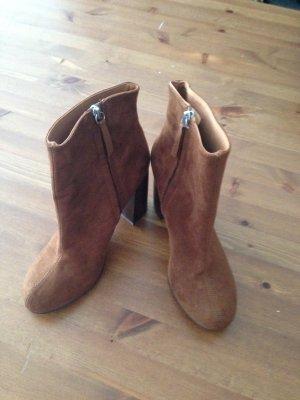 Ankle Boots 60s Style neu von H€M