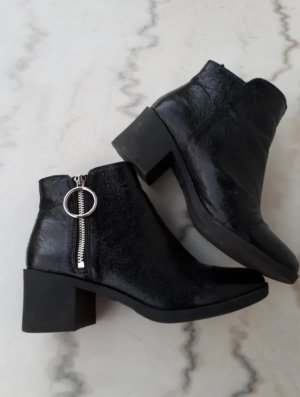 Ankle Boots 80er Style, schwarz, glänzend stiefeletten in 39