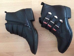 Ankle Boots Biker-Boots mit silbernen Schnallen
