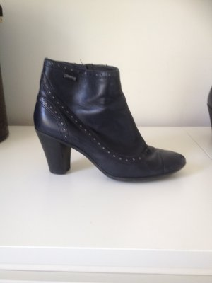 Ankle Boots im Budapester Look