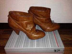 Ankle-Boots in cognak von Zara