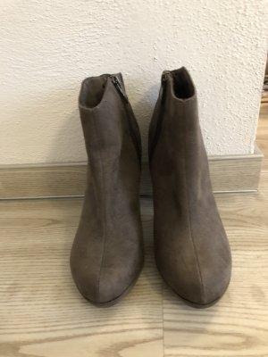 Tamaris Heel Boots grey brown