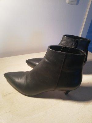 Ankle boots kitten heels