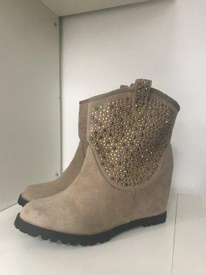 Ankle Boots mit Strassteinchen